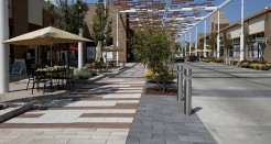 USA, Illinois, Bolingbrook, The Promenade at Bolingbrook